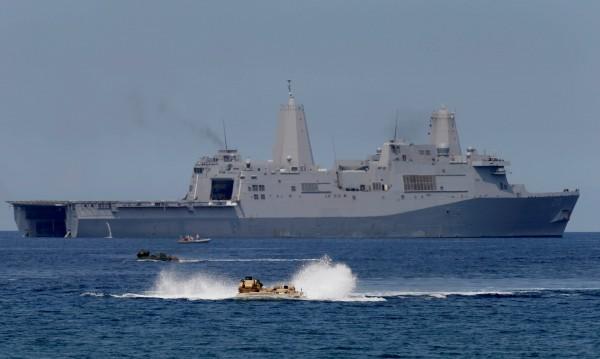 Пекин: Военен кораб на САЩ наруши китайския суверенитет