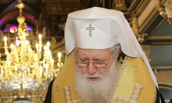 Отбелязват имения ден на патриарх Неофит