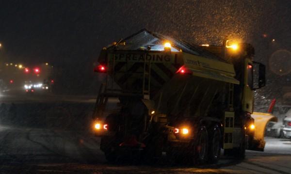 АПИ предупреждава: Сняг през нощта, не тръгвайте на път!