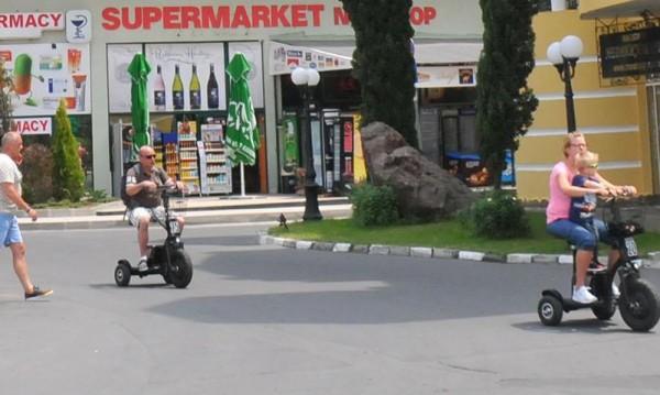 Ангелкова се зарече: Без тротоарна търговия в Слънчев бряг!