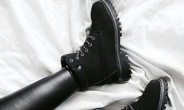 Как да почистим солта от обувките през зимата?
