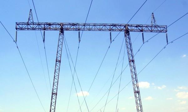 Петкова отговори на бизнеса: Скок на тока за бита няма да има!