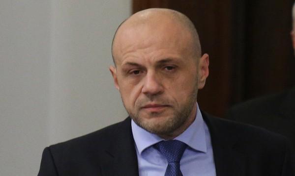 """Дончев: Случаят в """"Хризантема"""" - грозен, но няма път назад!"""