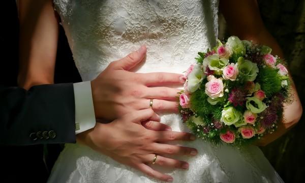 Близки, приятели, роднини... 5 абсурдни митове за брака
