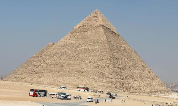 Доказано: Египетските пирамиди са построени от хора