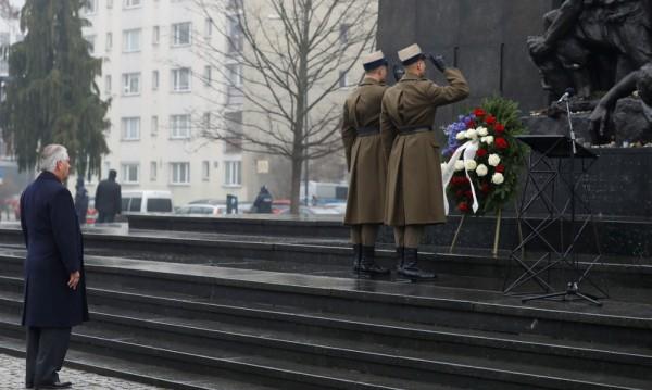 Тилърсън, Меркел и Курц почетоха паметта на жертвите на Холокоста