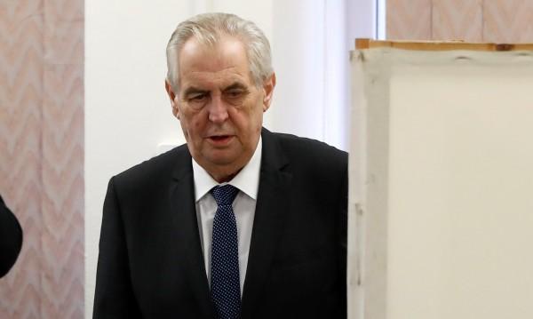 Милош Земан печели президентските избори в Чехия