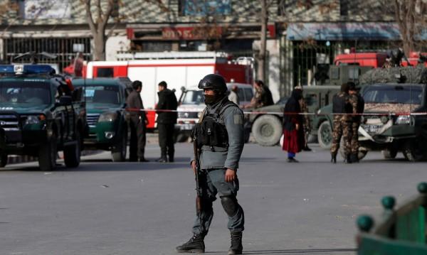 Жертвите на атентата в Кабул се увеличават, вече са 103