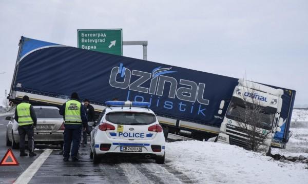 Пътна полиция с нова пътна карта с най-опасните пътищата