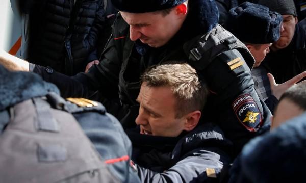 Навални освободен! Излезе от ареста без обвинение