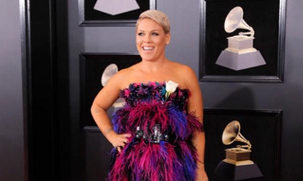 Лош вкус: Звездите и модните им провали на Грами 2018
