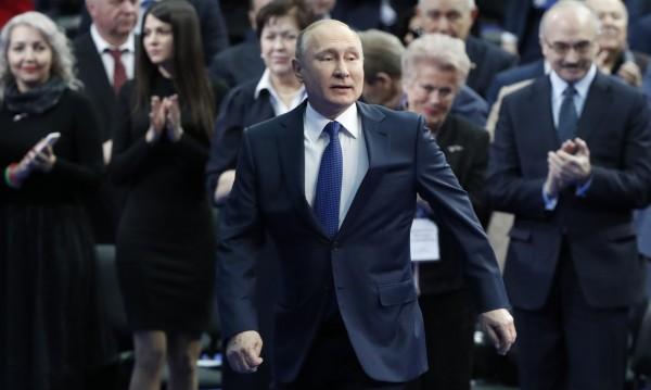 """Владимир Путин се """"обиди"""": Няма го в """"кремълския списък"""" на САЩ"""