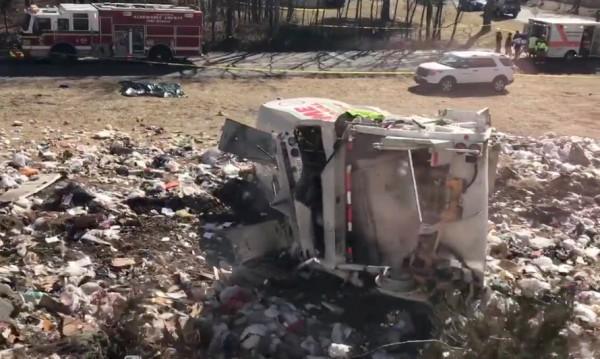 Влак с US конгресмени се сблъска с боклукчийски камион