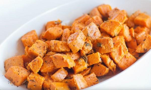 Рецептата Dnes: Сладки картофи с тиквени семки