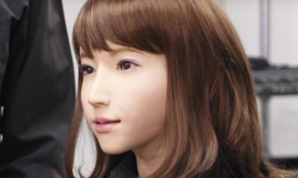 Нова тв водеща в Япония – Ерика, робот!