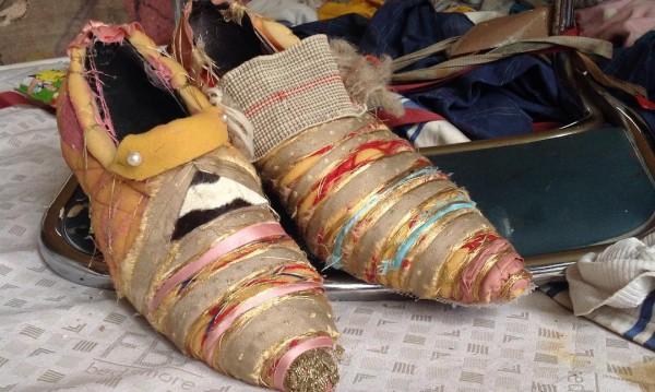 Берлинската Фрида Кало и нейните обувки от мебели