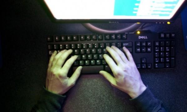 Екстрадираха руснак от Испания в САЩ за кибер атака
