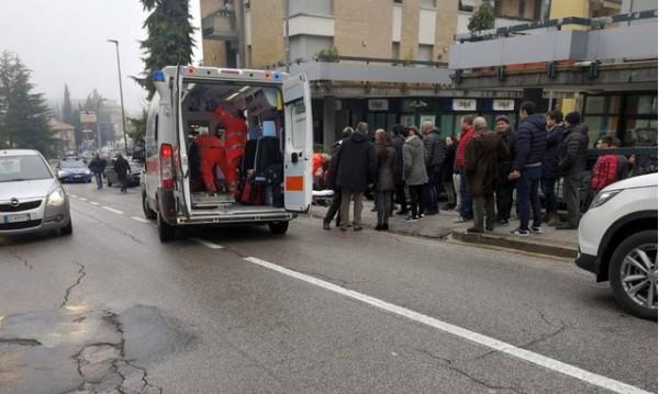 Нападателят от Мачерата дебнал мигранти, предал се с фашистки поздрав