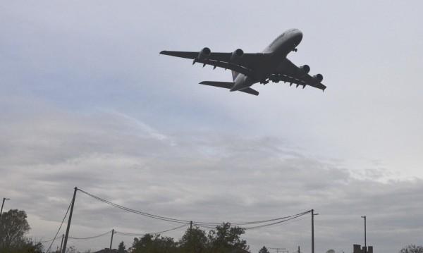 Бурята над София накара пилот да кацне в Букурещ