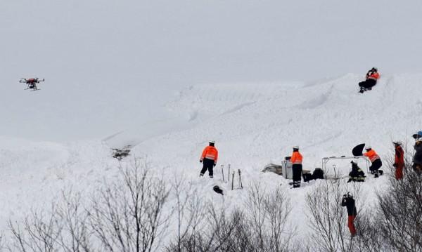 Лавина уби двама скиори в курорт в Апенините