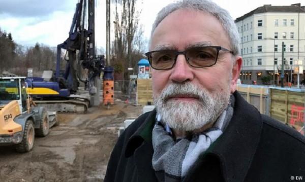В битка за правда и свобода: Мъжът, прокопал тунел под Берлинската стена
