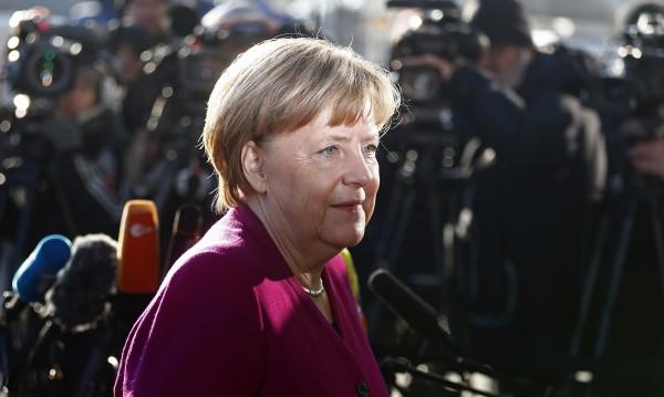 Меркел готова на болезнени компромиси, за да има коалиция