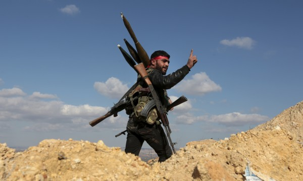 Руски експерт: България е главен доставчик на оръжие за сирийските групировки!