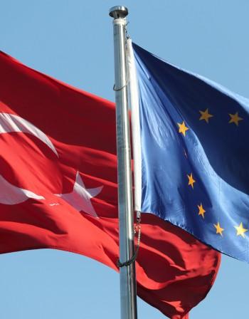Европа тласка Турция в периферията. Кой ще спечели?