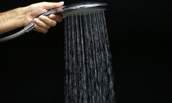Доказано! Вечерният душ по-полезен от сутрешния