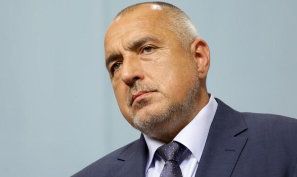 Борисов във ВМА, били му инжекции на колената