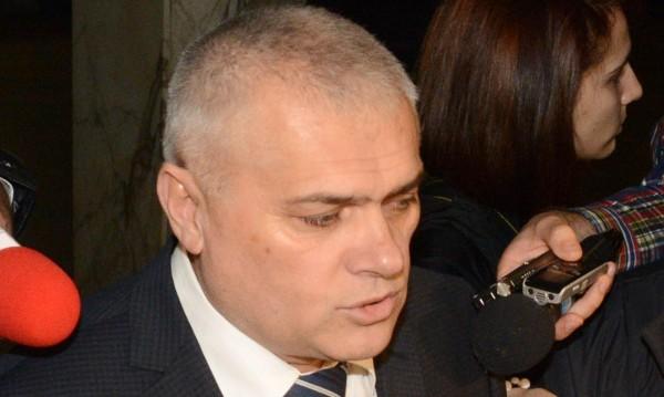 Проверката срещу червен чиновник – по сигнал на партиен другар