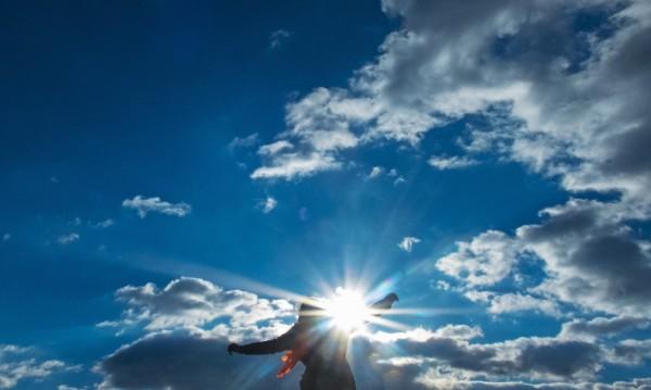Слънчево време в петък, температурите –  между 10° и 15°
