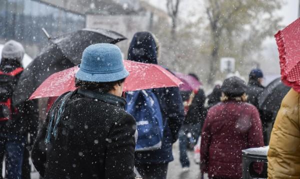 Времето се разваля: Ще завали, ще застудее и ще задуха вятър