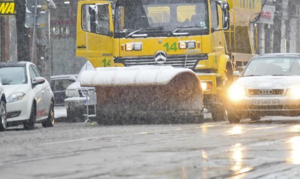137 снегорина са чистили през нощта София