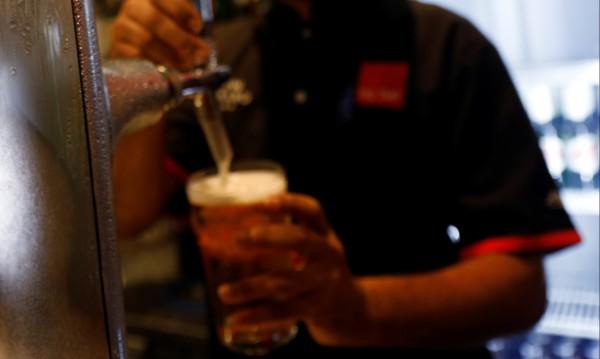 Как традиционната бира губи пред... безалкохолната