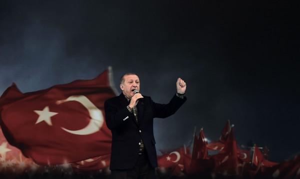 Османският блян на Ердоган ІІ: Историята не тръгва от Ататюрк!