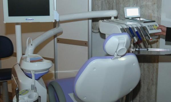 """Зъболекари """"За"""" дежурства за бедни, не им дават кабинет!"""
