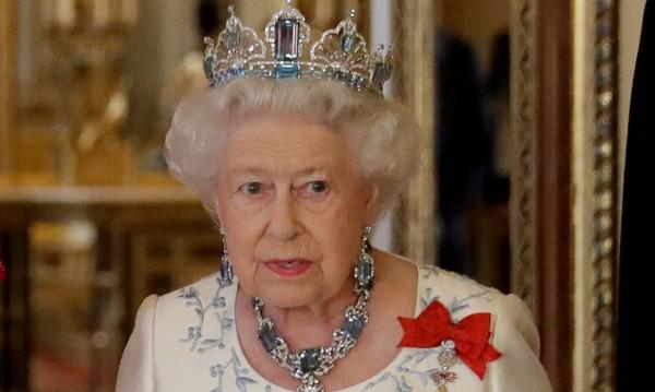 Еко кралица! Елизабет II на битка vs. пластмасата