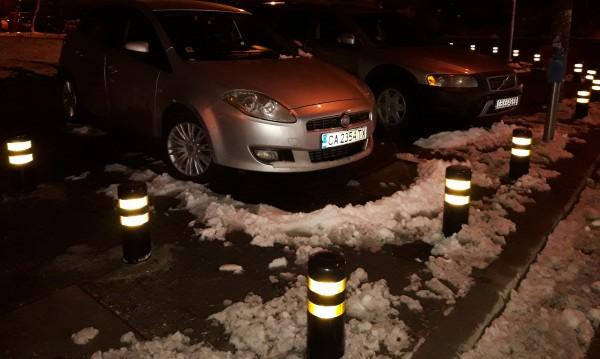"""Паркинг колчета срещу наглото паркиране в """"Люлин"""" 7... За месец!"""