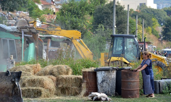 Незаконните строежи – на прицел, на 8 часа пада по един