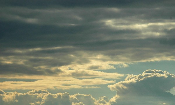 Облачно и мрачно ще е утре, на юг слабо ще вали