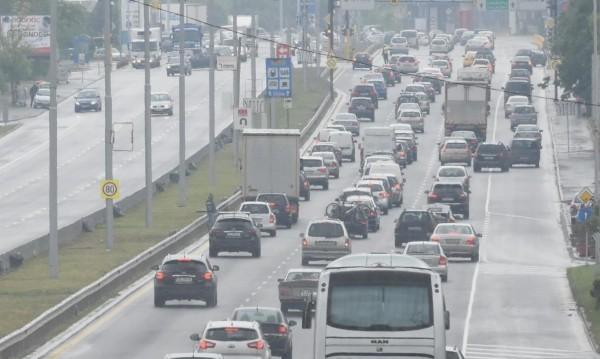 Проект: Шесторeн скок на таксата за регистрация на кола