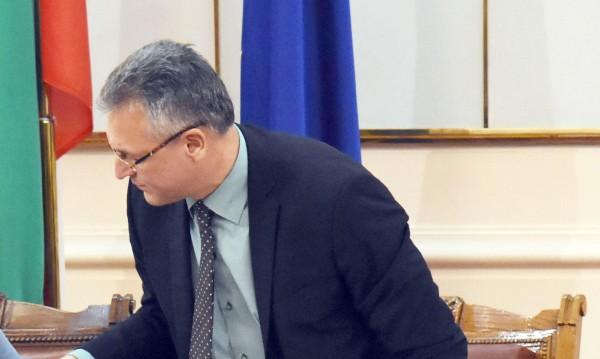 """Заради """"неизбежния Народен съд"""": ГЕРБ искат оставката на Жаблянов!"""