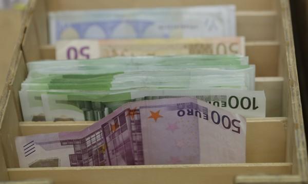 Интернет-булка от Исперих измъкна €25 000  от чужденец
