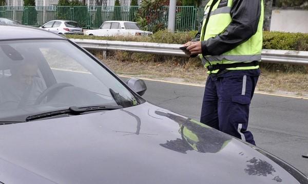 Катаджия спрял кола за проверка, 18-годишен го отнесе