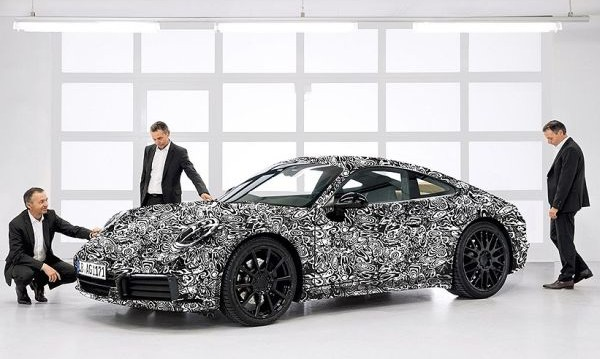 Култовото Porsche 911 ще минава и на ток