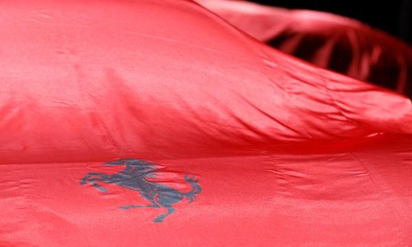 Това е  първият SUV на Ferrari! Хибрид с V8 мотор