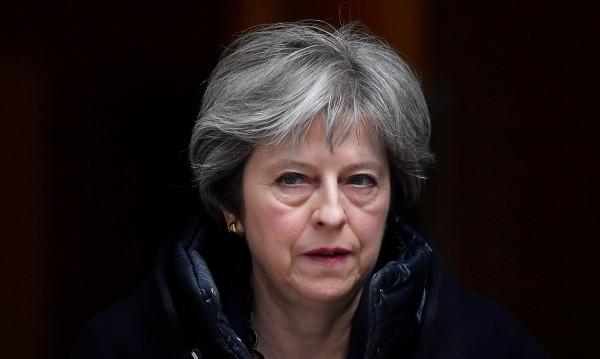 Лондон гони 23 руски дипломати, замразява контактите с Москва