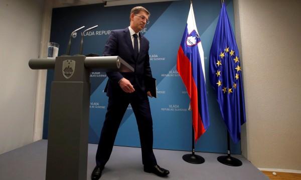 Словенският премиер Миро Церар подаде оставката си