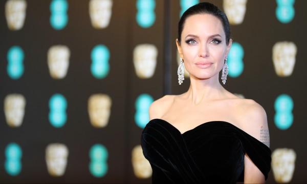 Джоли си спомни за тийнейджърските години